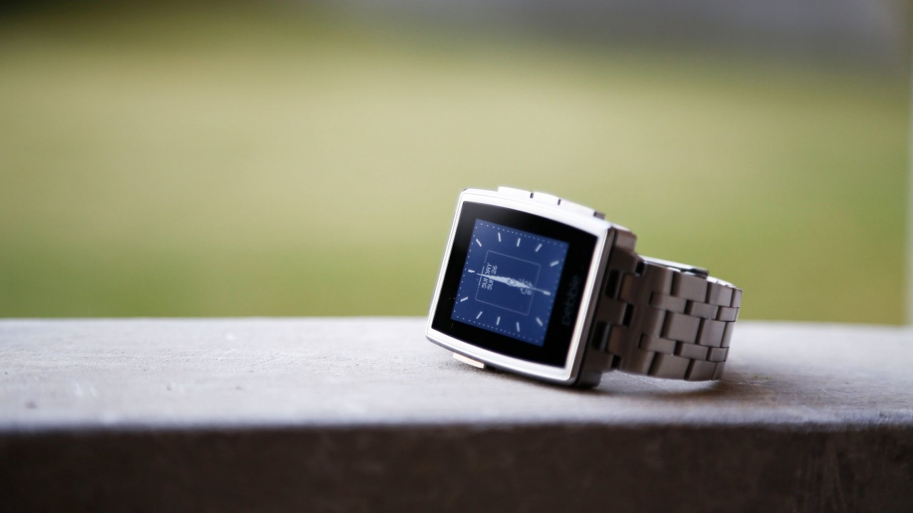 Pebble Steel Smartwatch,limited edition,watches,Pebble,black,silver,e-paper,display,review,hi-tech