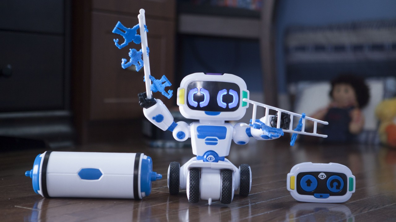 WowWee Tipster,robot for kids,robotic toy,review,test,robotic industry for kids,hi-tech