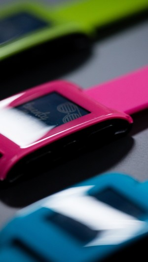 Pebble Smartwatch,limited edition,watches,Pebble,black,silver,e-paper,display,review,hi-tech