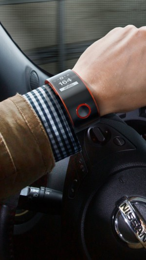 Nissan Nismo Watch,watches,smartwatch,car,test,app,display,hand,review,control,hi-tech